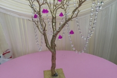 Centerpiece Birch Crystal Chain & Diamond Foam Base